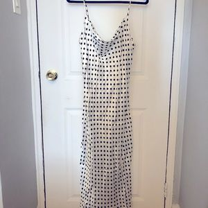 NEW & STUNNING Silky Polka Dot Dress
